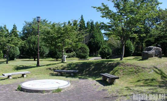 トキの森公園の休憩所