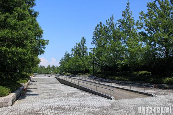 鳥屋野潟公園入り口