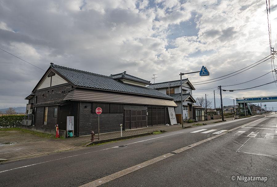 CHOCOLATEI(しょこら亭)瓢湖店の外観