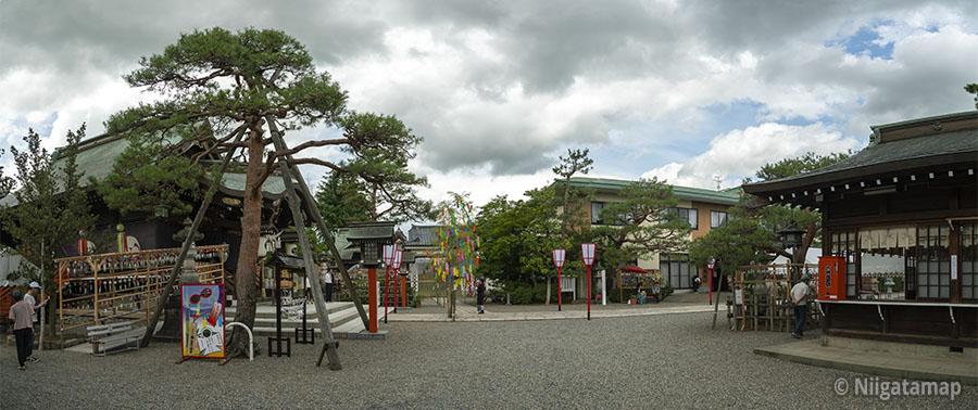 五泉八幡宮全体の写真