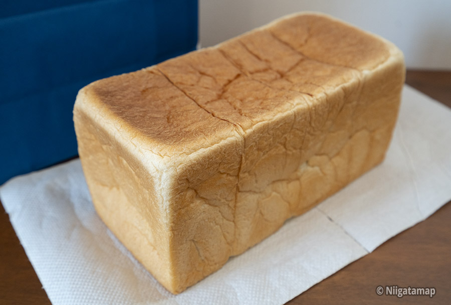 袋から出した生食パン