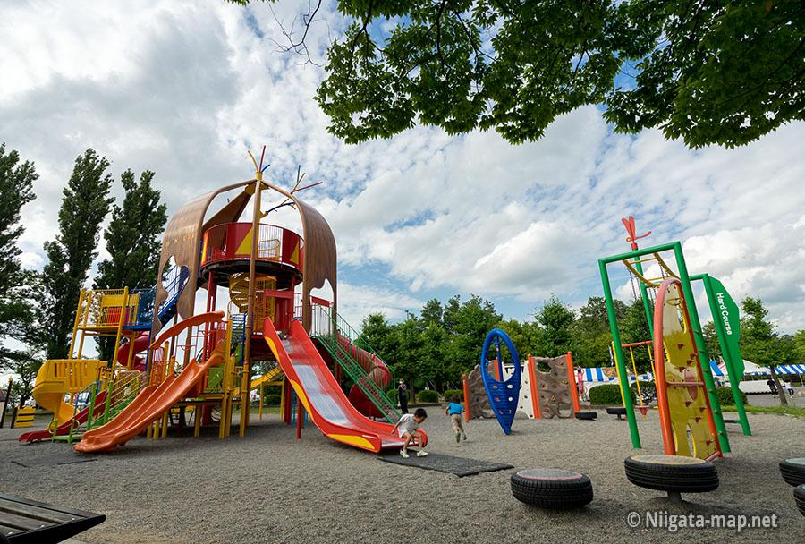 五十公野公園遊具