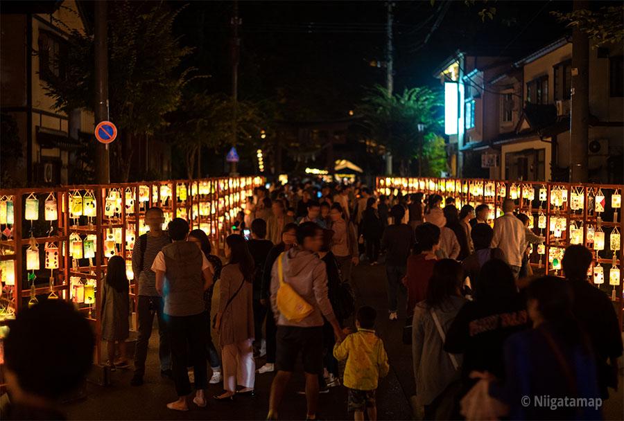 AKARIBA(あかりば)の通り