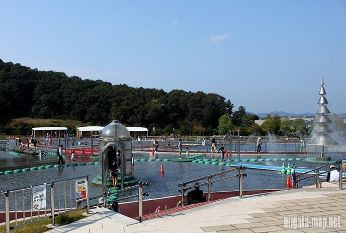 越の池ウォータープレイゾーン