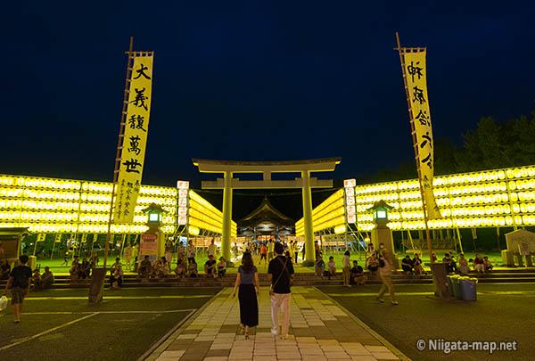 護国神社 万燈みたま祭り