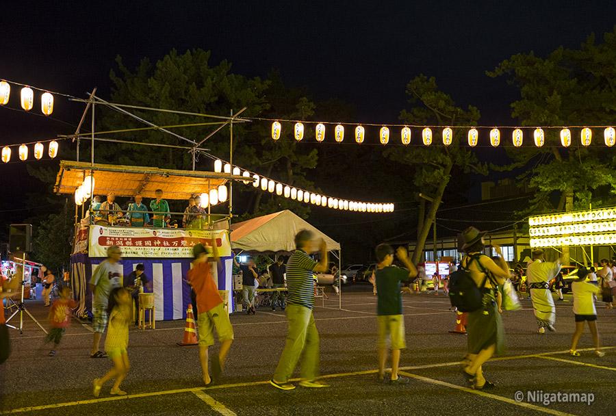 みたま祭りの盆踊り