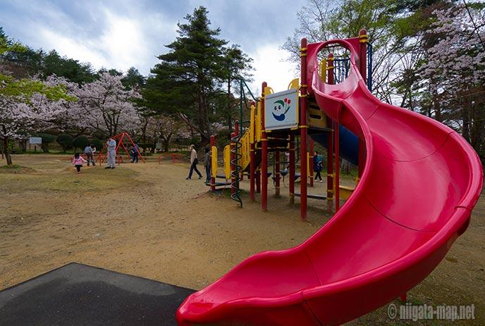 村松公園の遊具