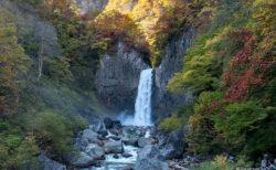 妙高市苗名滝