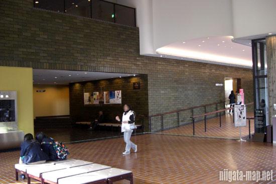 新潟市美術館ホール