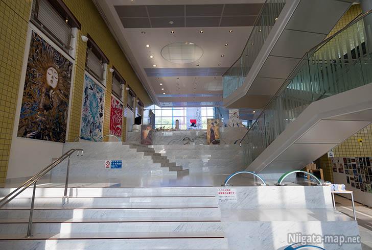 新津美術館アトリウム