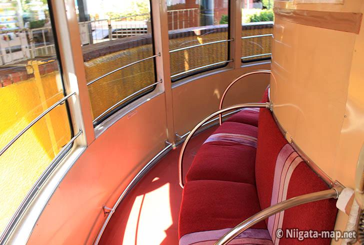 レインボータワー座席